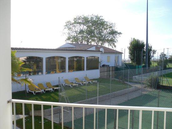 Hôtel Les Cleunes : piscine de l'hôtel