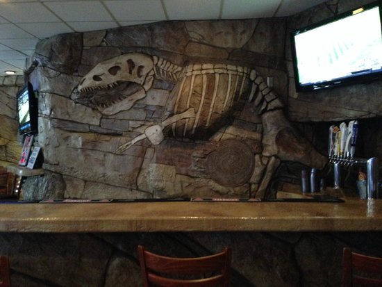 el pargo bar & grill: inside