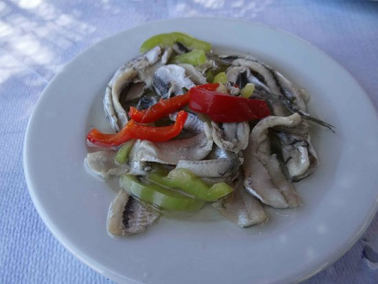 Kavos : Freshly marinated anchovy in virgin olive oil