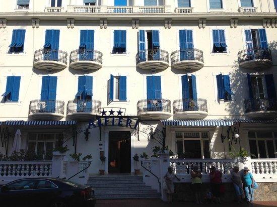 Hotel Alfieri: Фасад отеля