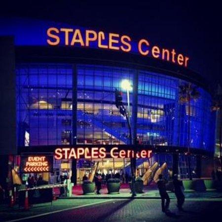 Staples Center: esterno