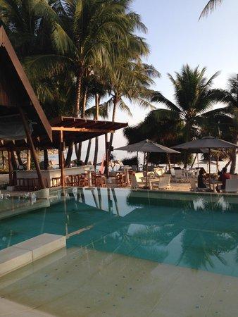 SALA Samui Resort And Spa: Breakfast round the pool