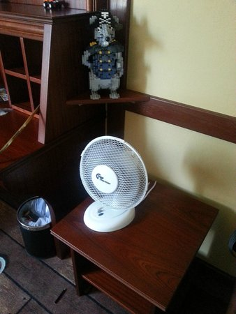 "Hotel LEGOLAND: The ""AC"", and Lego mouse room decoration"