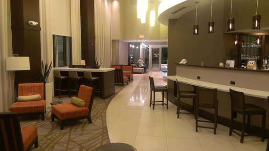 Comfort Suites Miami Airport North: Lobby