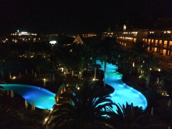 Lopesan Baobab Resort : kvelden fra balkongen