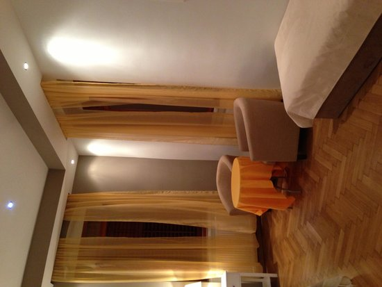 City Center Rooms : And again