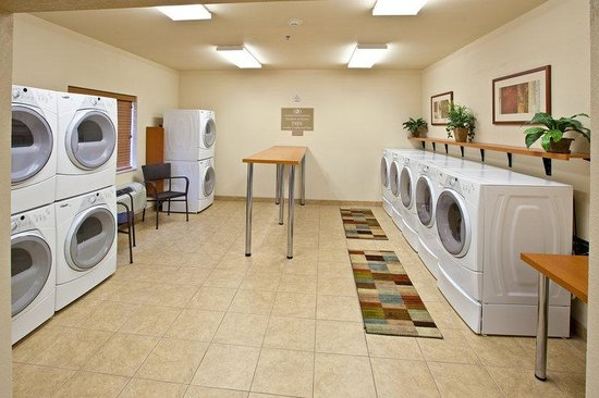 Candlewood Suites Springfield: Laundry Facility
