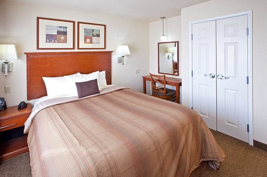 Candlewood Suites Springfield: Guest Room