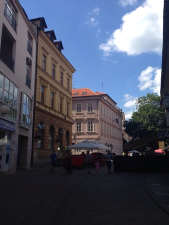 Upper Town (Gornji Grad) : A nice European buildings along the walk.
