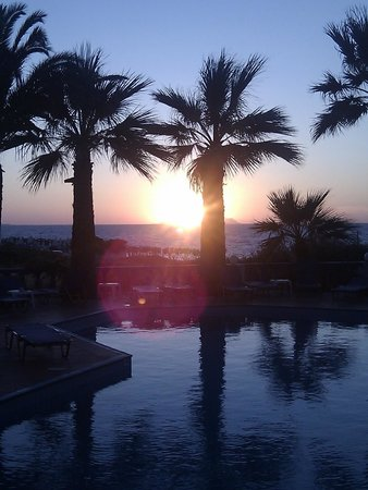 Palm Bay Hotel : Sunset from patio