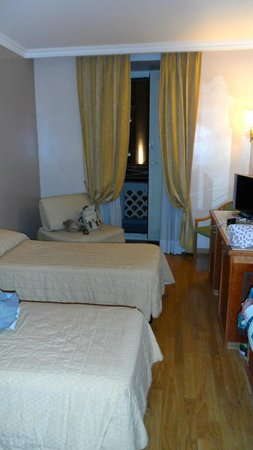 Hotel Regno: Spacious room with balcony