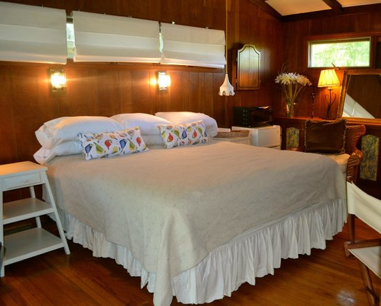 Hither House Cottages: The Guest House Suite