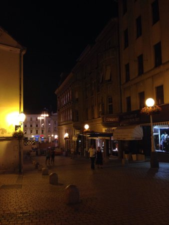 Upper Town (Gornji Grad) : A nice atmosphere of the upper town at dusk when the lamps are lit.
