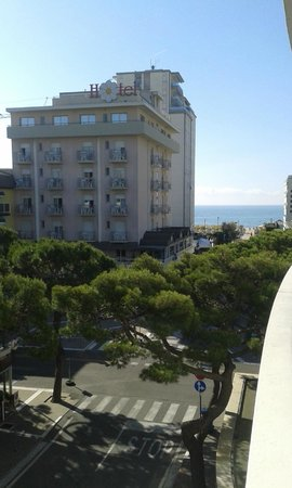 Hotel & Residence Il Teatro: towards beach