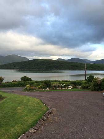 Cloghane, Irland: View from the front yard.
