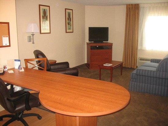 Candlewood Suites Lexington: 1 Bedroom Suite Work Desk and Living Room