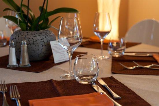 Hotel Côté Sud Leman : salle de restaurant