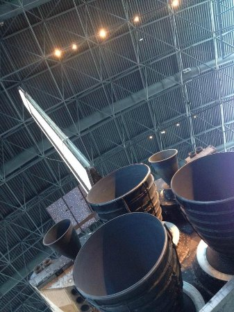 Smithsonian National Air and Space Museum Steven F. Udvar-Hazy Center: Trying to give a sense of how huge it was...
