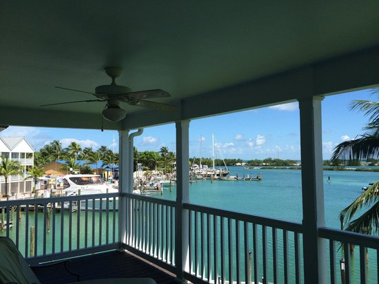 Hawks Cay Resort: Room 6015 from the upper deck, dockside