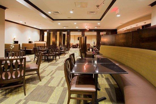 Holiday Inn Daytona Beach LPGA Blvd: Fairway Bar & Grille