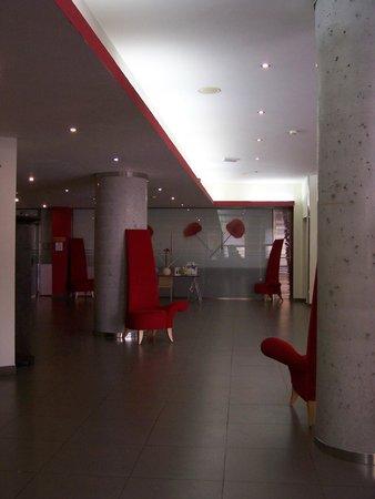Ohtels Campo de Gibraltar: el hall del hotel