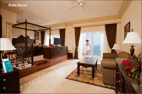 Hotel Riu Emerald Bay: Guest Room