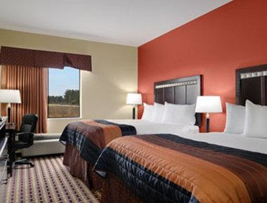 Baymont Inn & Suites Sulphur : Standard Two Double Bed Room