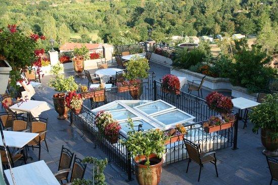 Hotel Restaurant La Porte des Cevennes : LA TERRASSE