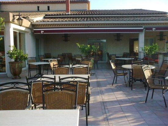 Hotel Restaurant La Porte des Cevennes : TERRASSE
