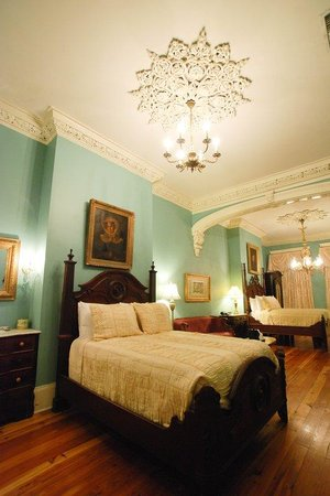 Lamothe House Hotel: Grand Two Fulls Antique Suite