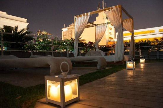 Hotel Boutique Don Pepe: Rooftop in the evening