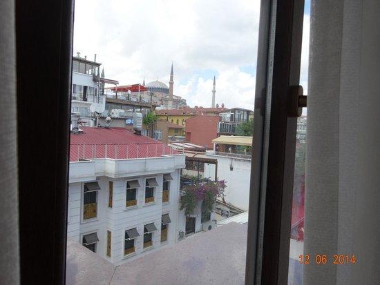 The Byzantium Hotel & Suites: Вид из окна