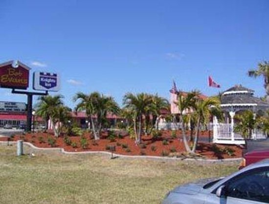 Welcome to Knights Inn Port Charlotte
