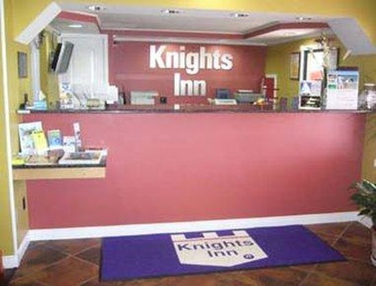 Knights Inn Port Charlotte : Front Desk