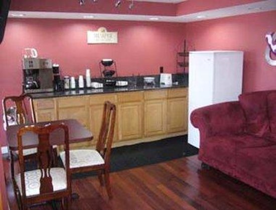Knights Inn Port Charlotte : Breakfast Area