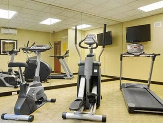 Super 8 Savannah: Fitness Center