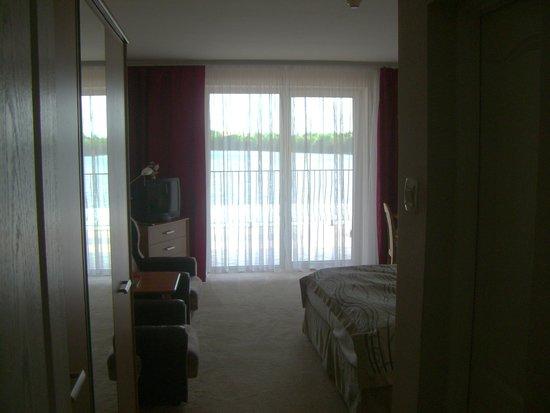 Panoramic - Oscar: vor dem Zimmer eine riesige Terrasse