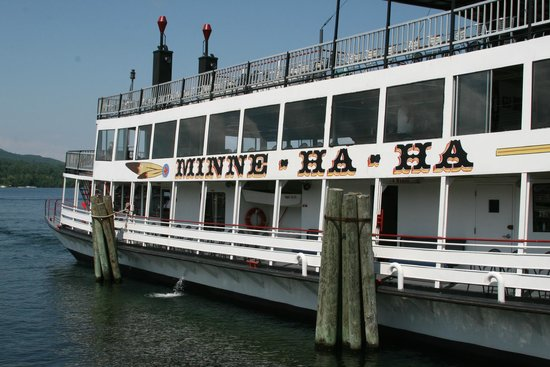 Fort William Henry Hotel and Conference Center: Don't miss a trip on the Minne Ha Ha for a great tour and views of Lake George .