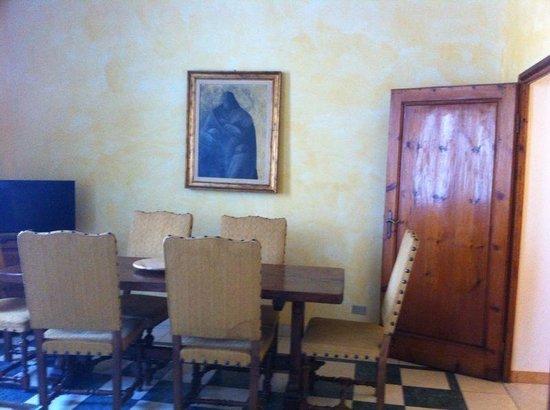 Novella House: Soggiorno