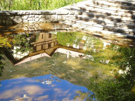 Reserva Natural Villavicencio: Lago cercano al Hotel