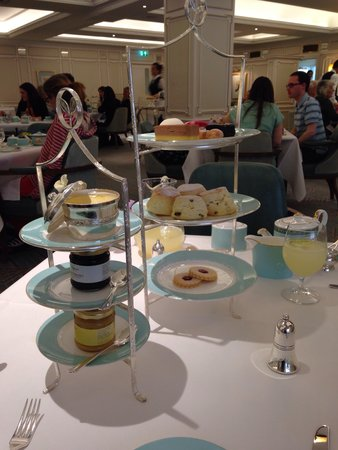 The Diamond Jubilee Tea Salon: Cakes