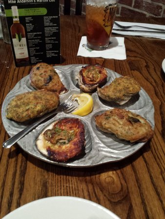 Mike Andersons Seafood: Delicious juicy Oysters