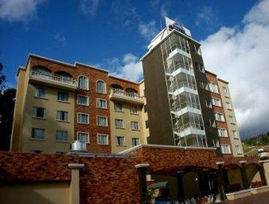 Welcome to the Howard Johnson Hotel Loja