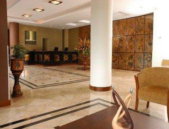 Howard Johnson Hotel Loja: Lobby
