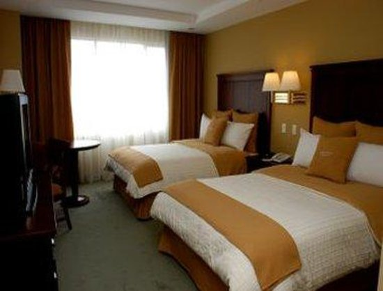 Howard Johnson Hotel Loja: Guest Room with 2 Beds