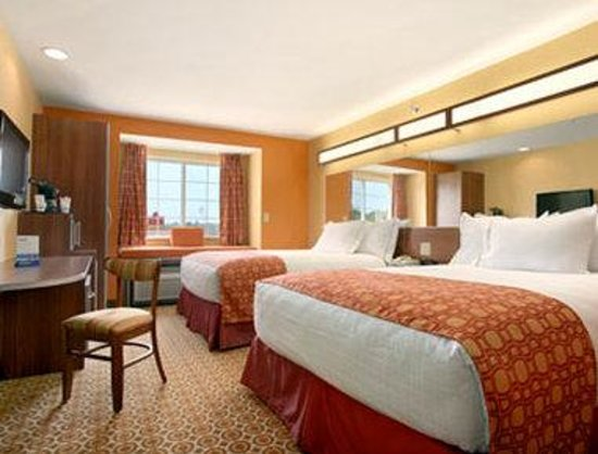 Microtel Inn & Suites by Wyndham South Bend / At Notre Dame: Standard 2 Queen Bedroom