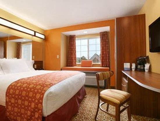 Microtel Inn & Suites by Wyndham South Bend/At Notre Dame: Standard Queen Bedroom