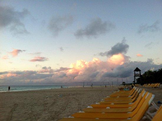 Iberostar Tucan Hotel: Beach in the morning