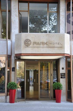 Hotel Park Beograd: Exterior_View_1