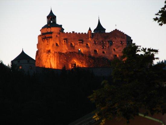 Erlebnisburg Hohenwerfen: Burg HohenWerfen - view from Werfen